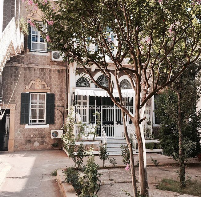 Old places have soul 💚........ oldhouse old picoftheday ... (Achrafieh, Lebanon)