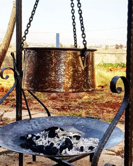 هريسة 😋😋😋 Bekaa lebanon instafood instagood onlyonelebanon ... (Al Haush)