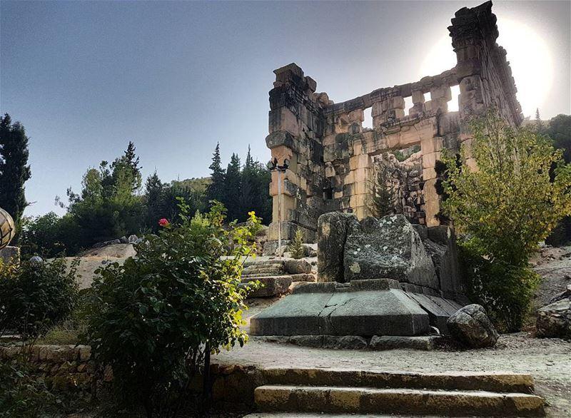 instalebanon livelovelebanon lebanon ... (Niha Fortress - قلعة نيحا)