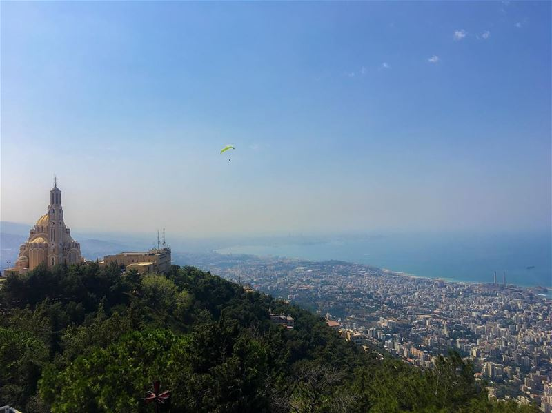 Let's fly away. paragliding over the bay of Jounieh 💚 ... (Harîssa, Mont-Liban, Lebanon)
