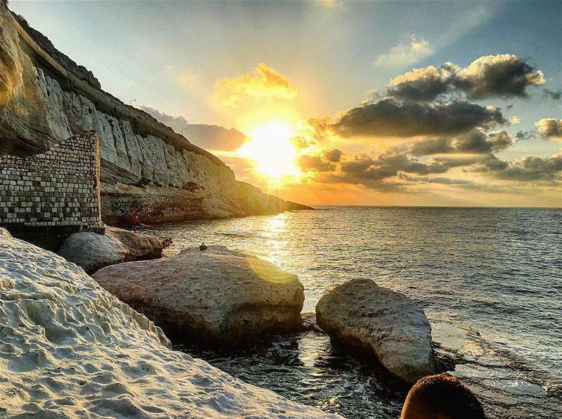 lebanon nakoura sunset instagood wanderlust travelgram welltraveled... (الناقورة / Al Naqoura)