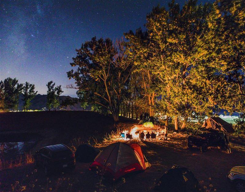 Dark Night, Warm Fire, Milky Way and Bright Stars🎈🏕 by @haigmelikian 🤴🏼 (El Laqloûq, Mont-Liban, Lebanon)