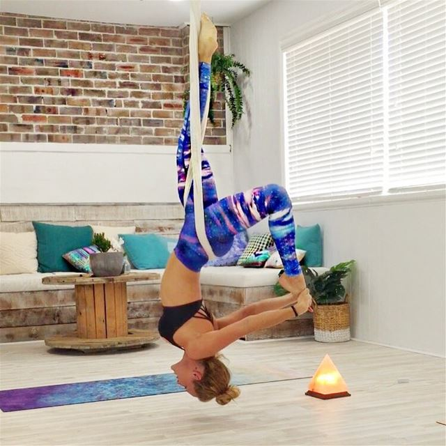 Come hang out, stretch & decompress your spine in today's classes 11am in... (Beirut, Lebanon)