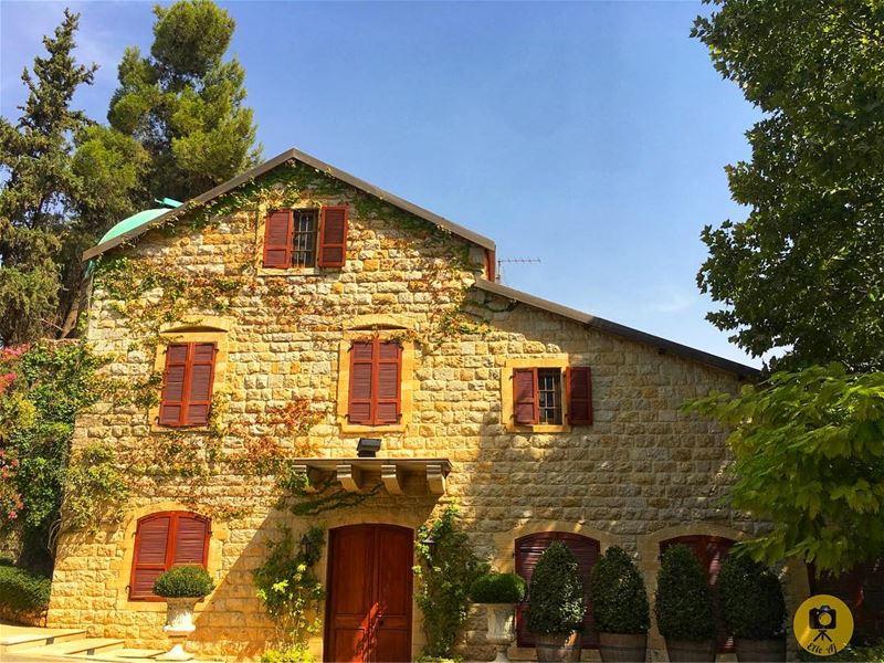 lebanonpicks lebanesehouses lebanon bekaa ... (Château Ksara)