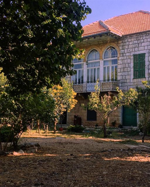 Good morning peeps ☀️🌳🦋🌺........ douma house architecture ... (Douma, Liban-Nord, Lebanon)