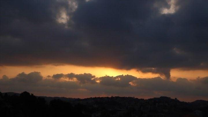 ... nabatieh kfarrouman lebanon timelapse timelapsevideo clouds sunset... (Nabatîyé)