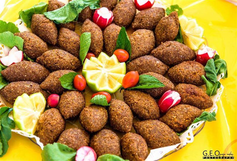 lebanesekebbe lebanesefood traditionnalfood meatkebbe meatballs ...