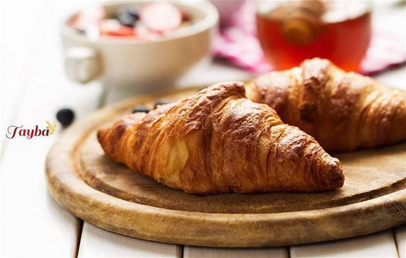Tout bonheur commence par un petit déjeuner tranquille 🥐🥐 ...📸 @tayba (Tayba Bakery)