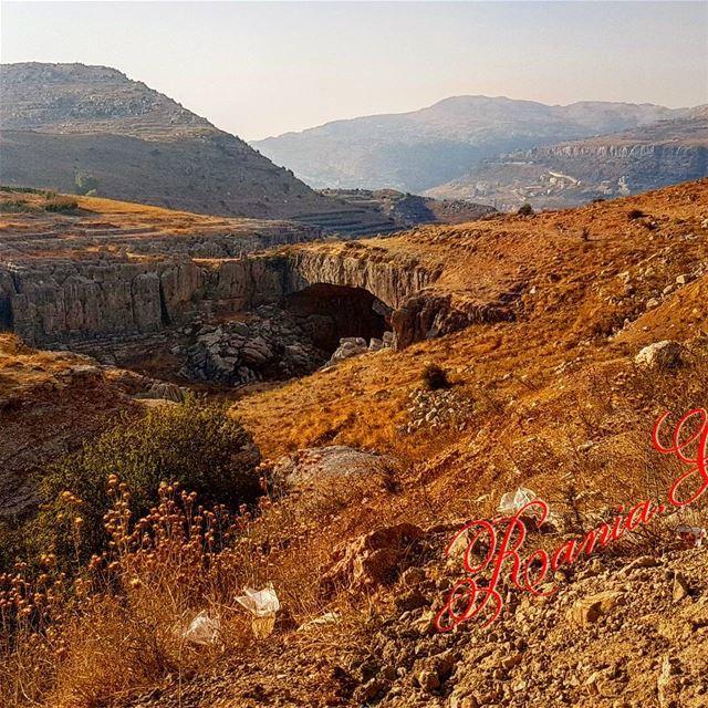 جسركفردبيان_الحجري_الطبيعيالارتفاع عن سطح البحر 1650mالطول 52m الارتفاع (Kfardebian,Mount Lebanon,Lebanon)