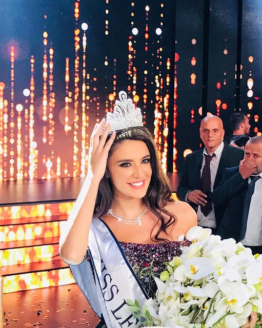 Take a closer look at the beautiful Miss Lebanon 2017 Perla Helou....... (Casino du Liban)