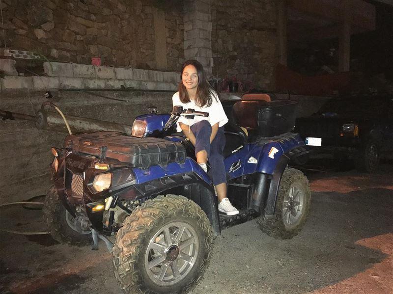 Thursday late night ride 🚜📍💜 يلّا؟.... InspiredByYou... (Dhour choueir)