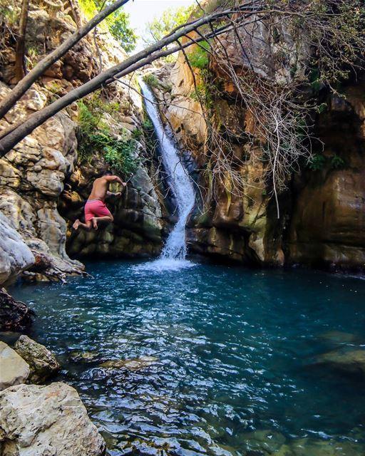 Jump.📸@elianehajj.... jump jumping waterfall coldwater water cold... (Akoura, Mont-Liban, Lebanon)