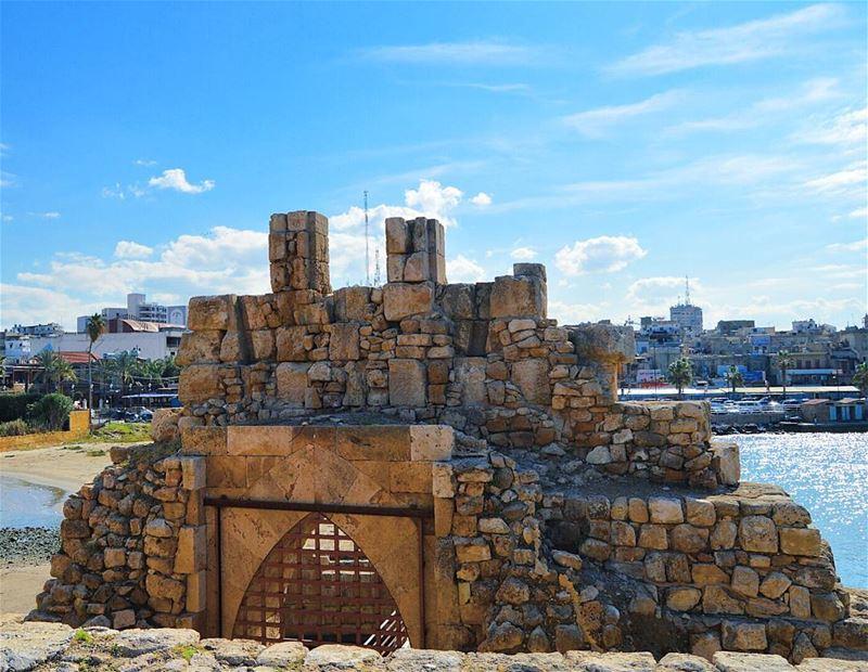 Lebanon🇱🇧 w/love ❤❤ ruins historic castle sky clouds bestplace ... (Saïda, Al Janub, Lebanon)