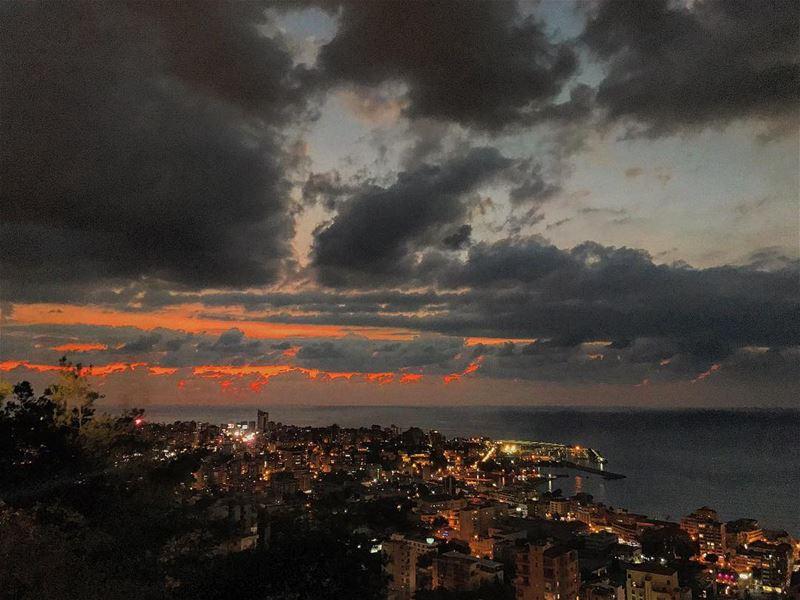 Weekend gift🌅• beiruting beirut lebanon beirutcity downtown ... (جونية - Jounieh)