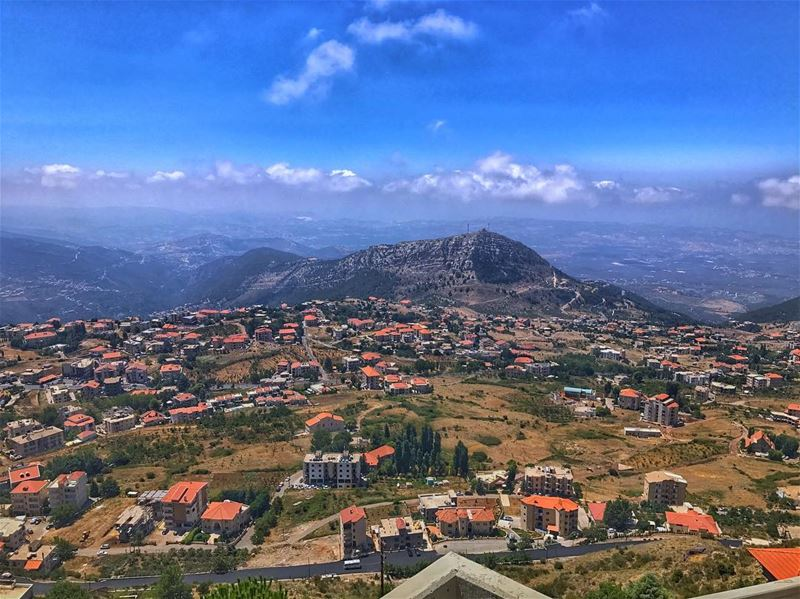 Ehdeniyat🕺🏻..... earthpix earthofficial wildernessculture ... (Ehden, Lebanon)