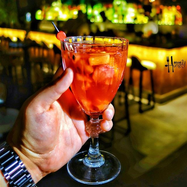 Meet us on the roof tonight!!Photo credits: @hungrymoey ...Cheers🍹For... (Jackieo)