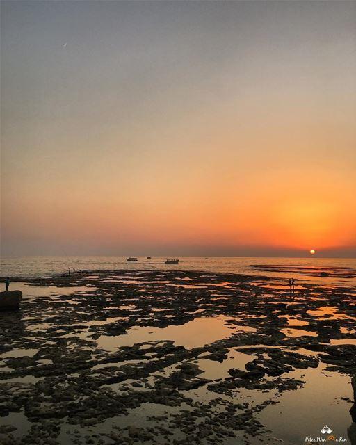 I never met a sunset 🌅 i did not like 🔥... (Jubayl, Mont-Liban, Lebanon)
