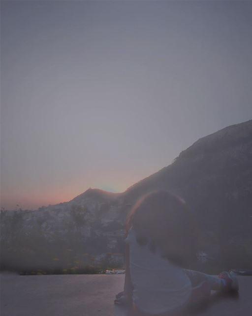 ليل وغربية وأيلولعلى إهدن لاقينيانسى حبك مش معقولومش رح فيكي تنسيني - جو (Ehden, Lebanon)