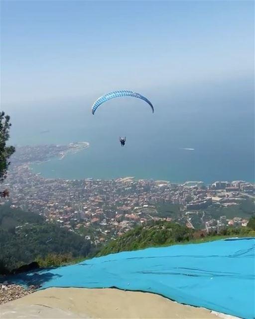 Voando sobre o nosso querido Líbano com o @andredcsaleh 🇱🇧 Flying over... (جونية - Jounieh)