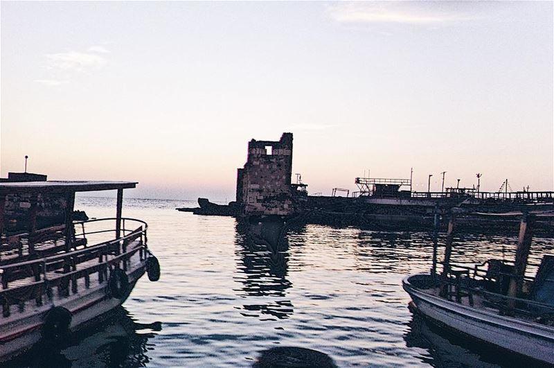 •une soirée sur le mer ✨• ..... forbestravelguide igmasters travel ... (Byblos - Jbeil)