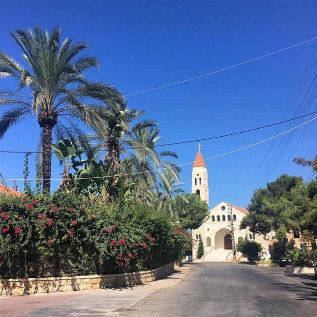 Good Morning from Bramieh! bramiyeh  saida  livelovesaida  churches ... (Bramiyé, Liban-Sud, Lebanon)