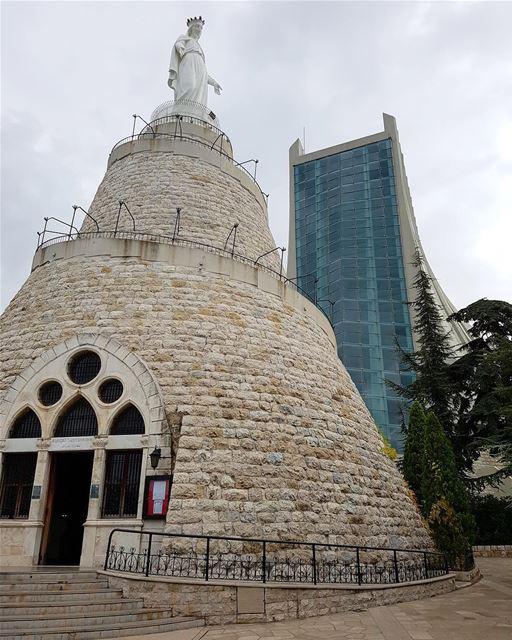 🇱🇧🇧🇷 Neste domingo, às 12h (horário de Brasília) e às 18h (horário do... (Our Lady of Lebanon)