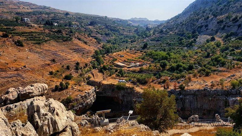 morning hellooctober hellooctober🍁 lebanon lebanon_hdr ... (Bâloûaa Balaa)