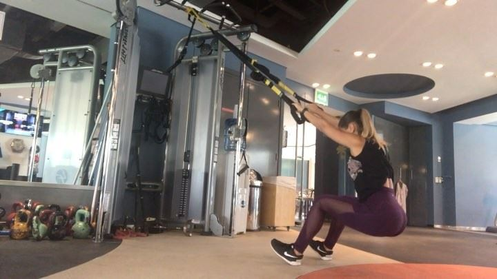 TRX legday workout :⛓ 3 x 20 squats⛓ 3 x 15 pistolsquat⛓ 3 x 15... (Dubai, United Arab Emirates)