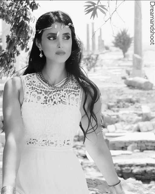 TBT Goddess by @adham_mayas @sylamc tyr dreamandshoot instagram women ... (Tyre, Lebanon)