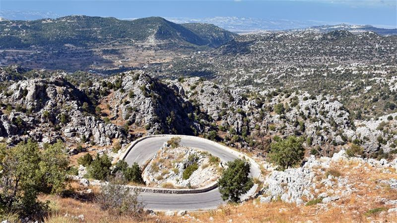 The Loop in the MountainThe spectacular climb to the Jaj Cedar Reserve ... (Jaj, Mont-Liban, Lebanon)