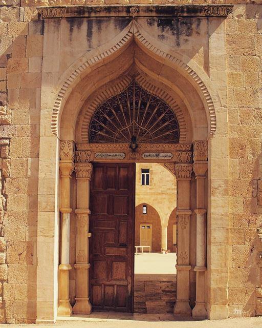 -Back to School Mood - ... ptk_lebanon amazinglebanon lebanon_hdr ... (Joûn, Liban-Sud, Lebanon)