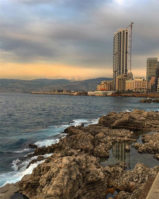 Same spot on Sports sea ocean walk sports beirut cloud photography ... (Ain El Mreisse, Beyrouth, Lebanon)