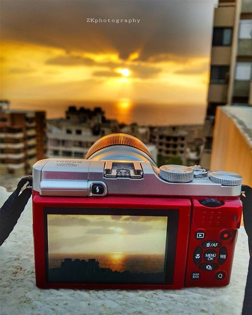 Capturing the Capture 😊🌟 * ptk_lebanon livelovelebanon ... (Dawhat Aramoun)