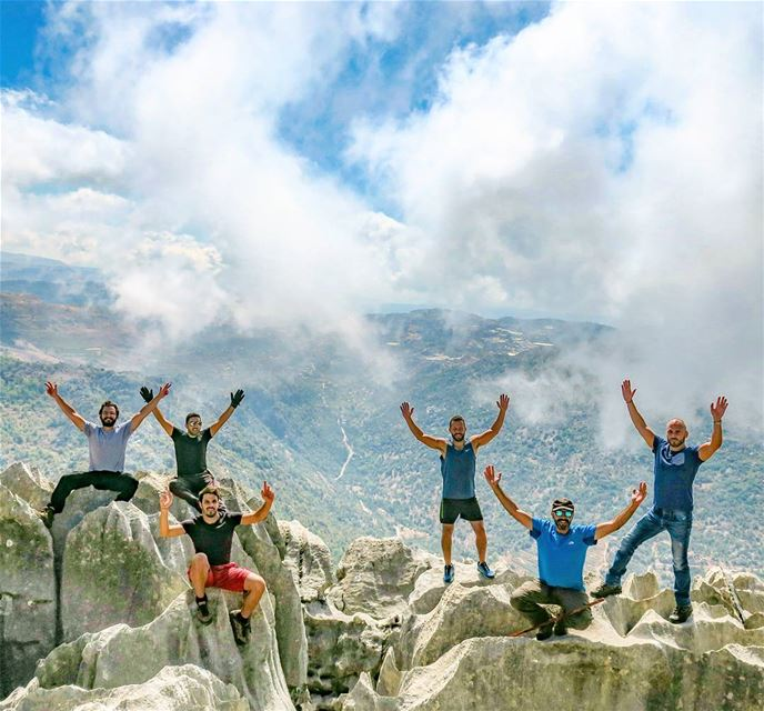 طلعنا على الضوّ، و طلعنا على الرّيح🙌🙌🙌🙌🙌🙌 hike peak outdoors ...