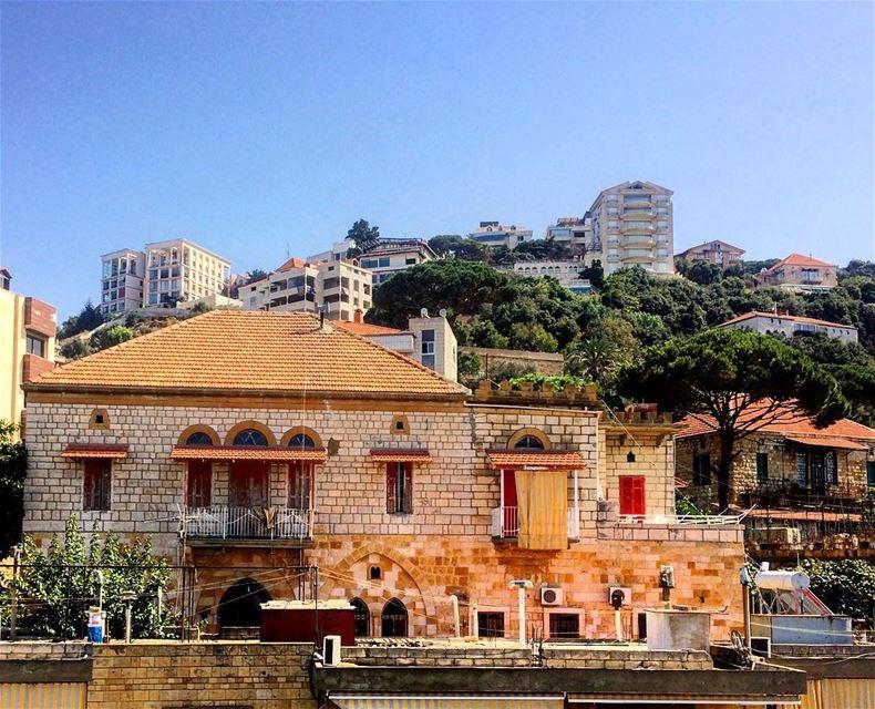 beitmery lebanonhouses LEBANONHOUSES livelovelebanon livelovebeitmeri... (Beit Meri, Mont-Liban, Lebanon)