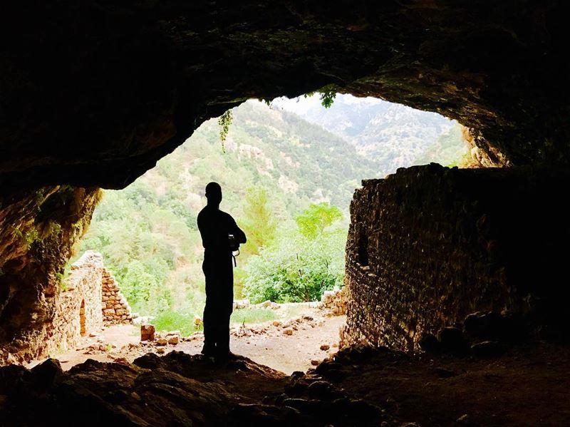 The third cave, a temple inside the cave!.............. (Ouâdi Qannoûbîne, Liban-Nord, Lebanon)
