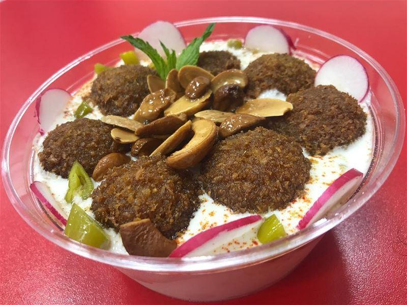"Amazing oriental fusion at karim sahyoun 😍🇱🇧🇱🇧🇱🇧 falafel fatteh !!... (Falafel Karim Sahyoun ""Hamra & Ashrafieh"")"