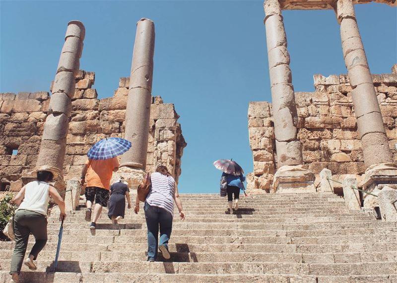 عبور ..ع دراج بعلبك ..... lebanon baalbeck baalbek بعلبك ruins ... (Baalbek , Roman Temple , Lebanon)