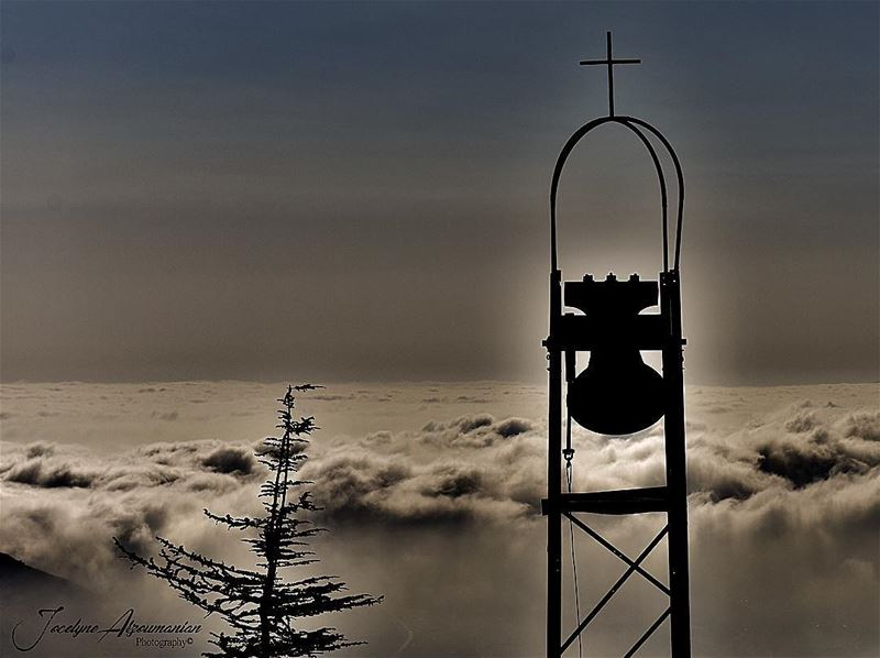 Wake me up when it's all over... wakemeup goodnight intheclouds clouds... (Faraya, Mont-Liban, Lebanon)