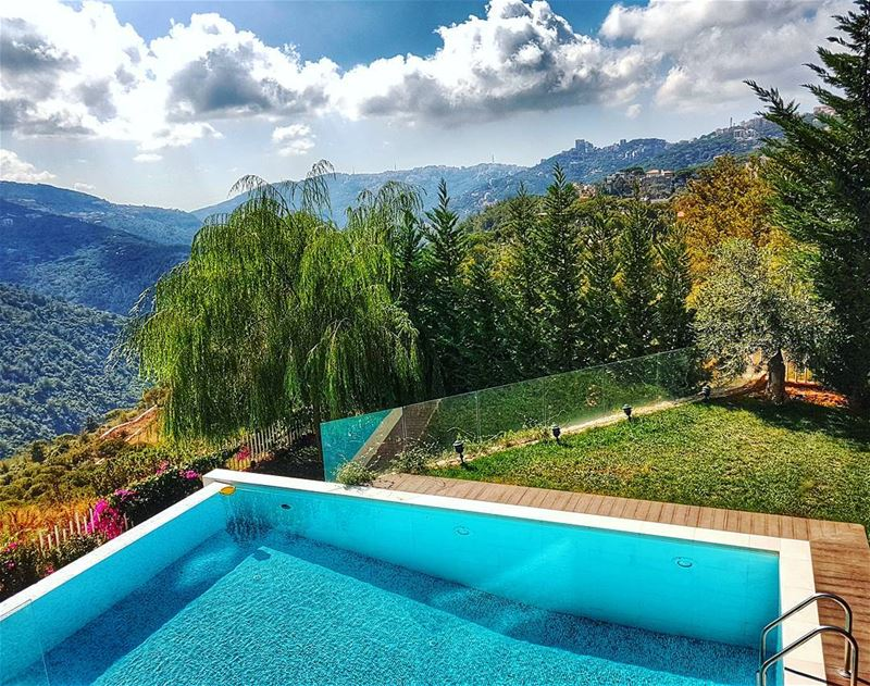 Extended summer days extendedsummer sunny autumn mountainsoflebanon ... (Brummana)