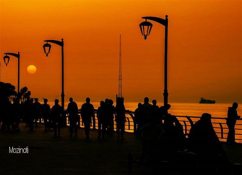 sunsets sunset_hub super_lebanon sunsetporn sunsetlovers sunsetlove... (Ain El Mreisse, Beyrouth, Lebanon)