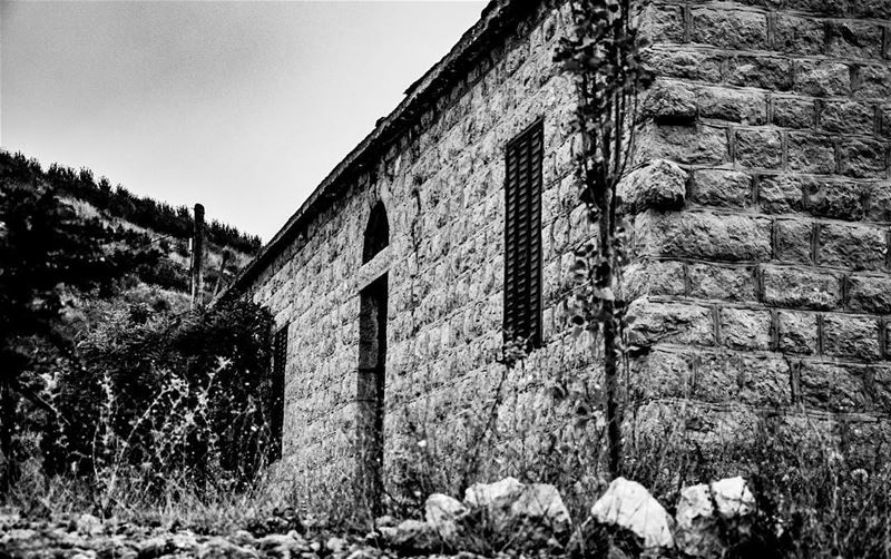 Old Lebanese house. lebanesehouse old blackandwhite bw historical ... (Raachine)