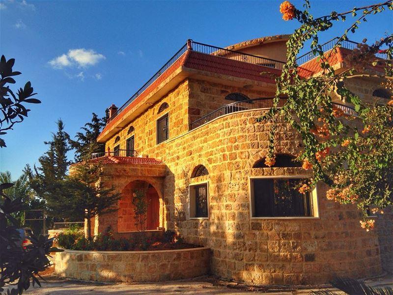 😌 lebanon southlebanon house igers photography photooftheday ... (As Sarafand, Al Janub, Lebanon - صفحة الصرفند الرسمية)