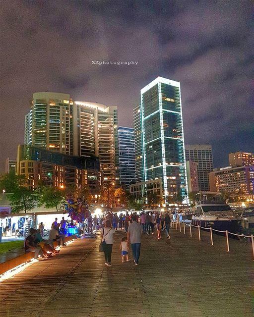 Night walk.. * insta_lebanon ig_lebanon lebanon_pictures ... (Zaitunay Bay)