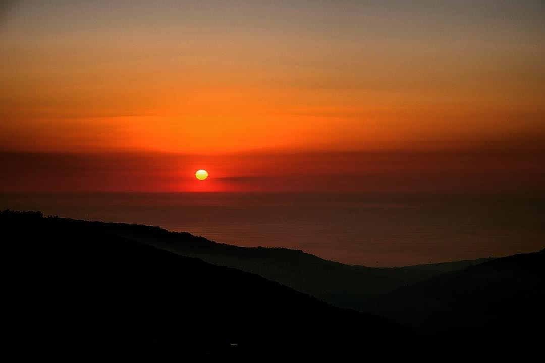 lebanon sunset mountains scenery sunsets sunsetlovers sunsetporn ... (Sannine Heights)