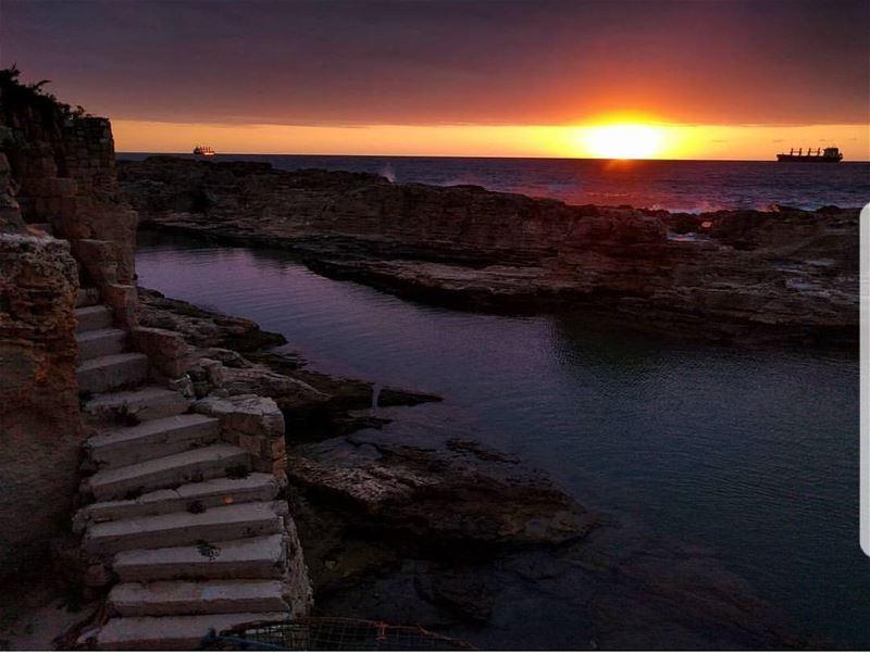 batroun sunset phoenician wall sea mediterraneansea batrounbeach ... (Phoenicien Wall)