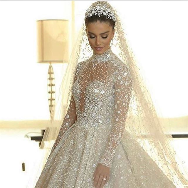 Egypt's pop princess @laracscandar in her stunning wedding dress by @zuhair