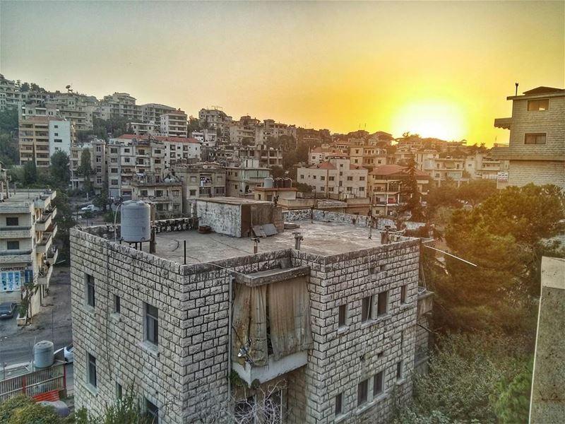 Sunset at its best 😏😏 sunset_vision sunset aley livelovebeirut ... (Aley)