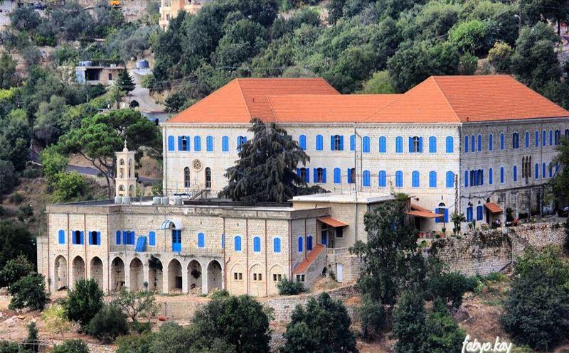 sunday lebanon church jesussaves churchflow lebanonhouses igerslebanon ... (Ghosta, Mont-Liban, Lebanon)