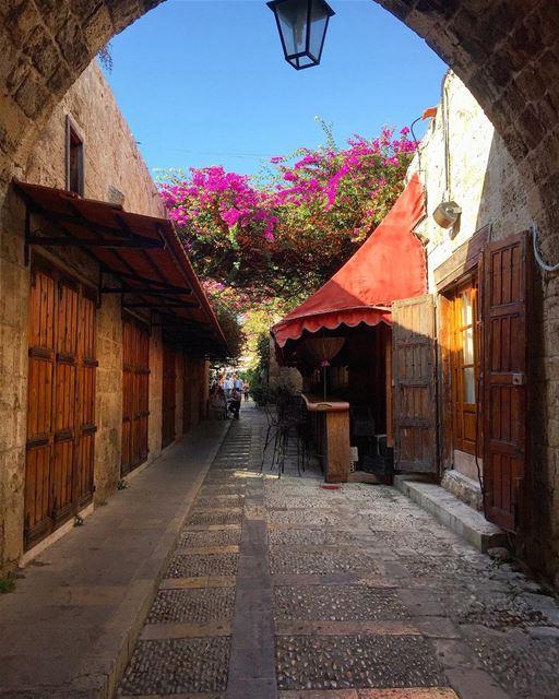 Old places have souls livelovebyblos byblosiloveyou livelovebeirut ... (Byblos, Lebanon)